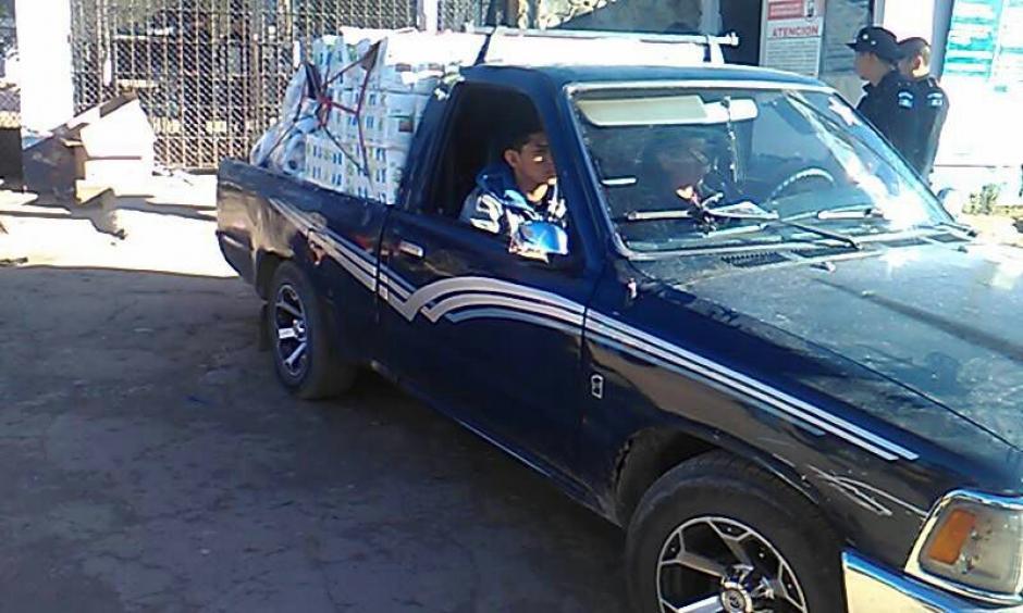 Este es el vehículo en el que trasnportaban el licor. (Foto: @Erick Colop100)