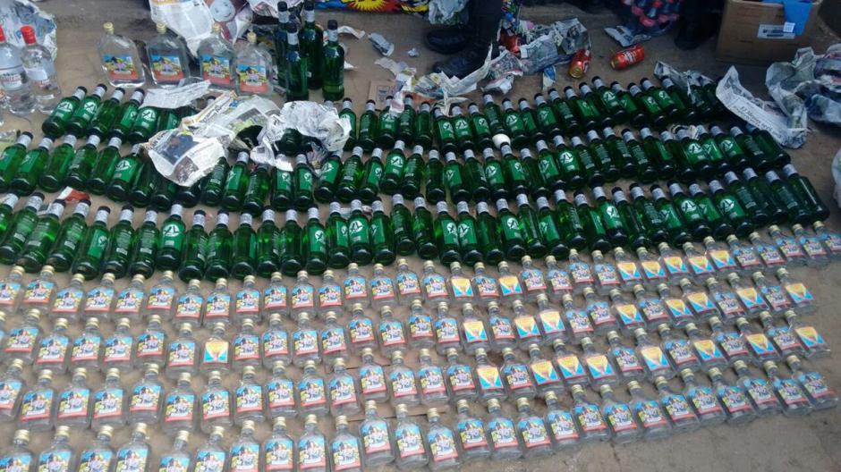 El licor incautado seviría para celebración de Año Nuevo dentro del penal. (Foto: @Erick Colop100)