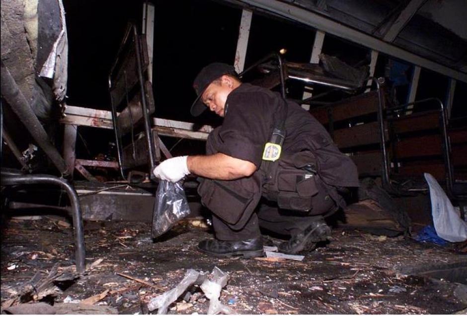 Las autoridades investiga el hecho perpetrado con una bomba casera. (Foto: Twitter)