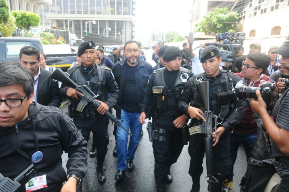 Se le sindica de los delitos de asociación ilícita, lavado de activos, cohecho pasivo y fraude.  (Foto: Alejandro Balán/Soy502)