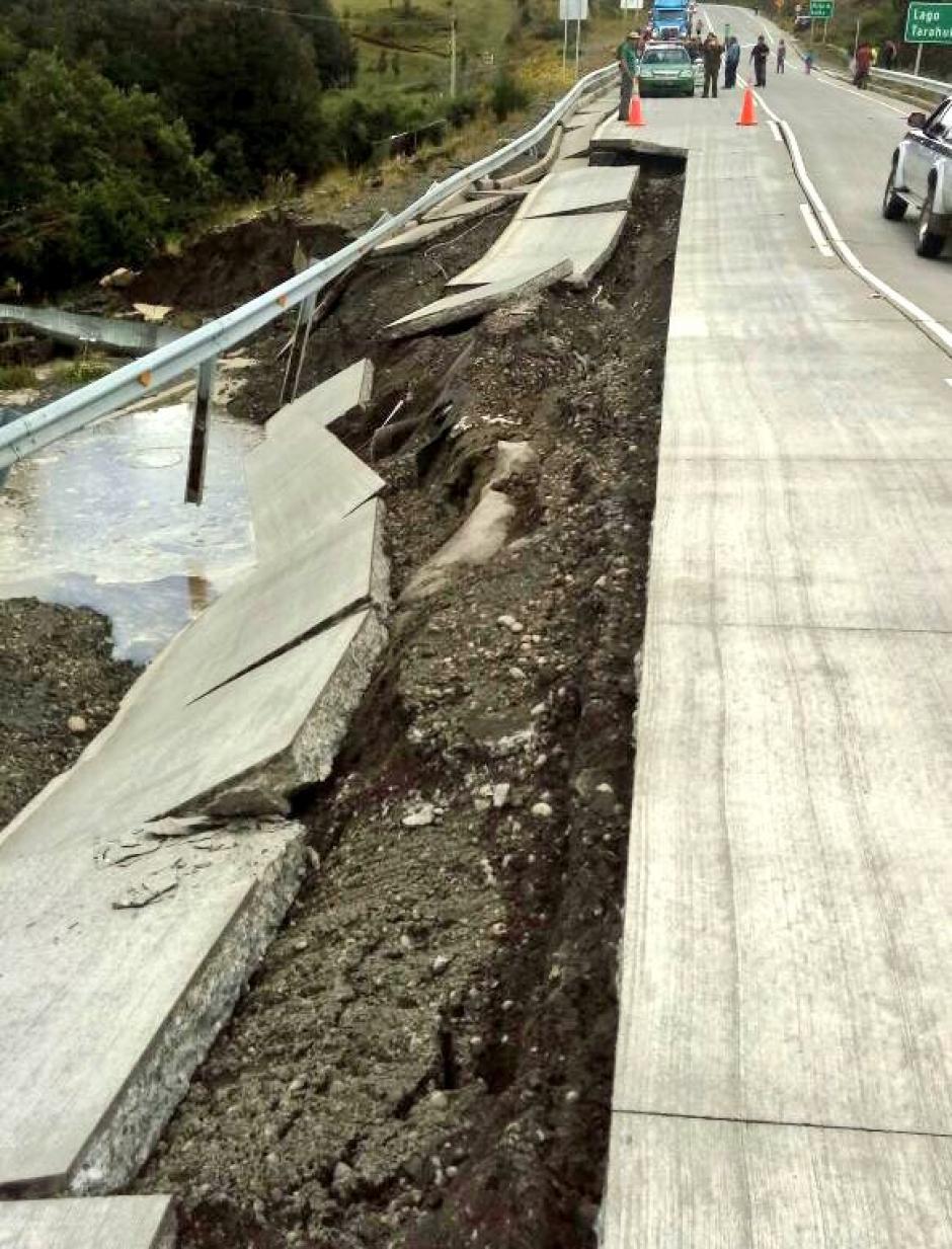 """Casi dos horas después del sismo, las autoridades bajaron el estado de alerta y lo ubicaron en uno de """"precaución"""" en la zona. (Foto: Twitter)"""