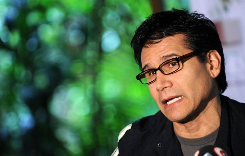 El cantautor Jesús Adrián Romero responde a sus críticos sobre por qué él y su familia celebran Navidad. (Foto: Twitter)