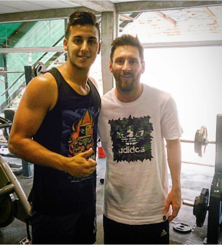 El futbolista es del archirrival de ciudad de Newels el club de los amores de Messi. (Foto: Twitter)