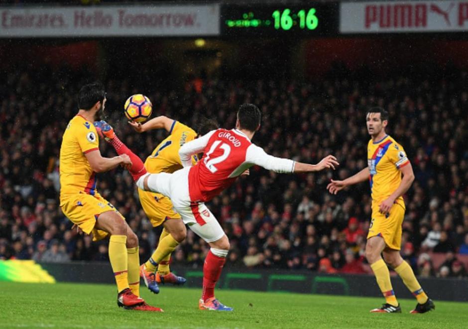 El gol de escorpión de Giroud se roba el show en la Premier. (Foto: Twitter)