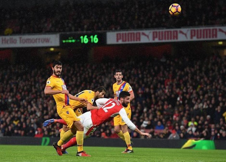 Giroud marco el primer golazo del 2017. (Foto: Twitter)