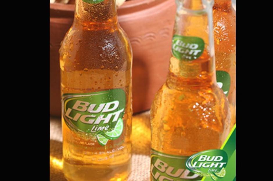 """Bud Light es una de las cervezas más consumidas en Estado Unidos, aunque su comercialización se expande por todo el mundo. Se estima que """"una de cada cinco cervezas que se venden en los EE.UU. es una Bud Light"""" afirma Business Insider."""