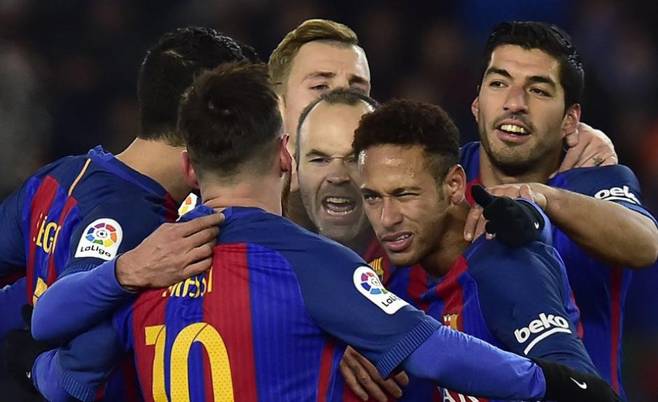 Neymar marcó el gol del triunfo de penalti. (Foto: Twitter)
