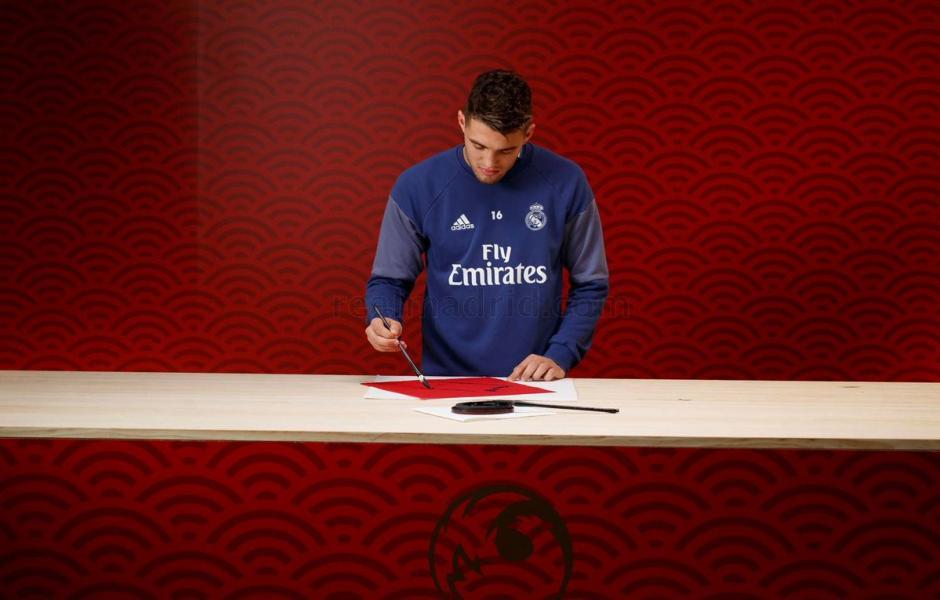Mensajes y un video enviaron los jugadores del Real Madrid. (Foto: Twitter)