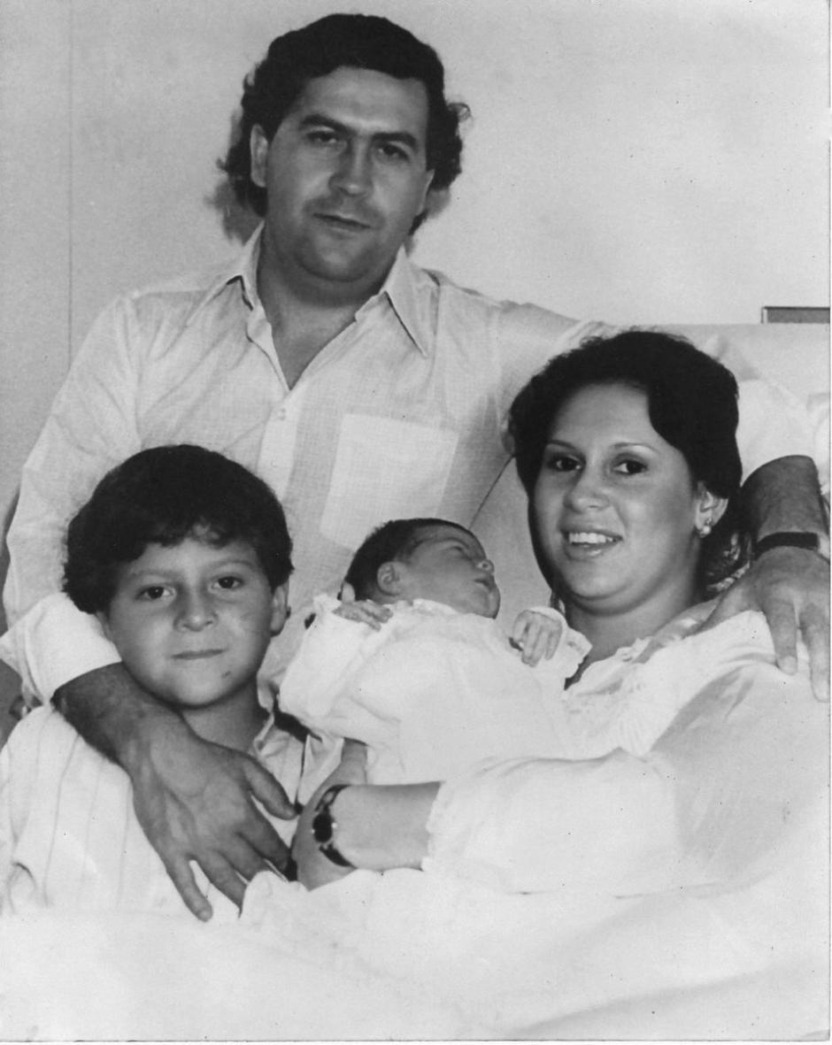 La familia de Pablo Escobar a finales de la década de 1980. (Foto: Twitter)