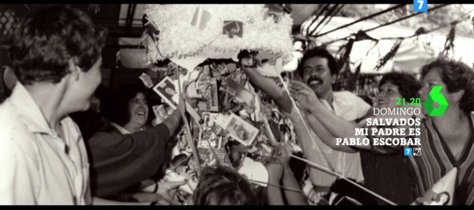 En las piñatas de sus hijos ponían fajos de dólares. (Foto: Twitter)