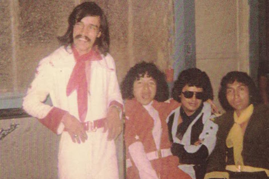 Marco Tulio Quiñónez (de rojo) fue el vocalista de la banda. (Foto: lasentrevistasdeheidy.blogspot.com)