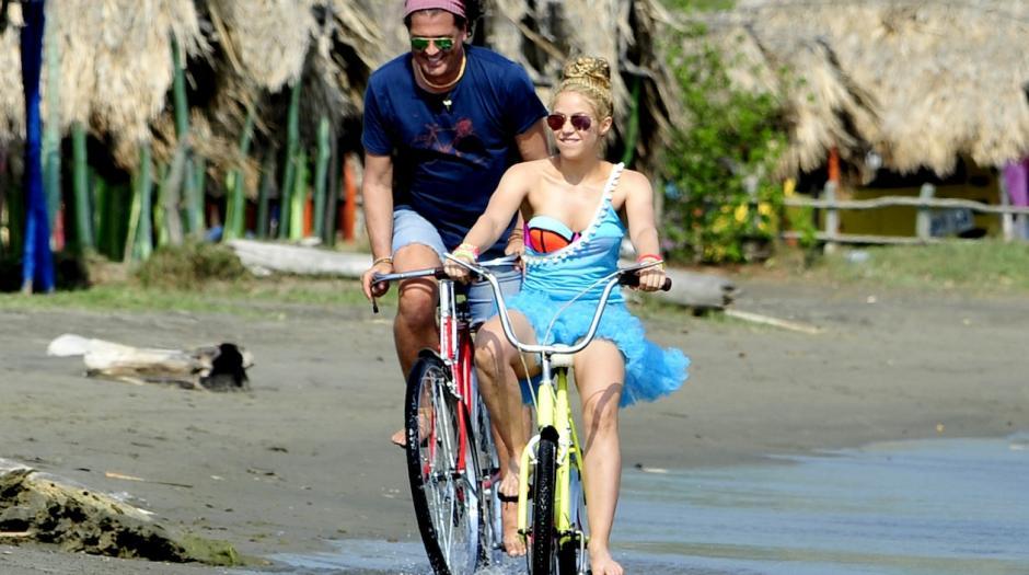"""Shakira y Carlos Vives también están nominados por """"La Bicicleta"""". (Foto: Cadena Dial)"""