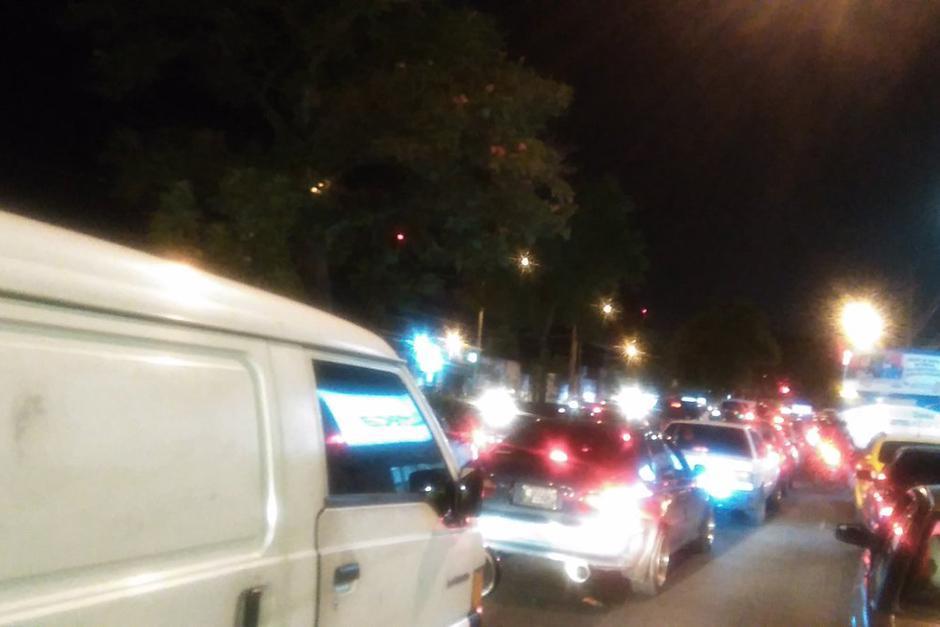 Una manifestación que ya fue retirada dejó un tránsito vehicular imposible. (Foto: PNC Tránsito)