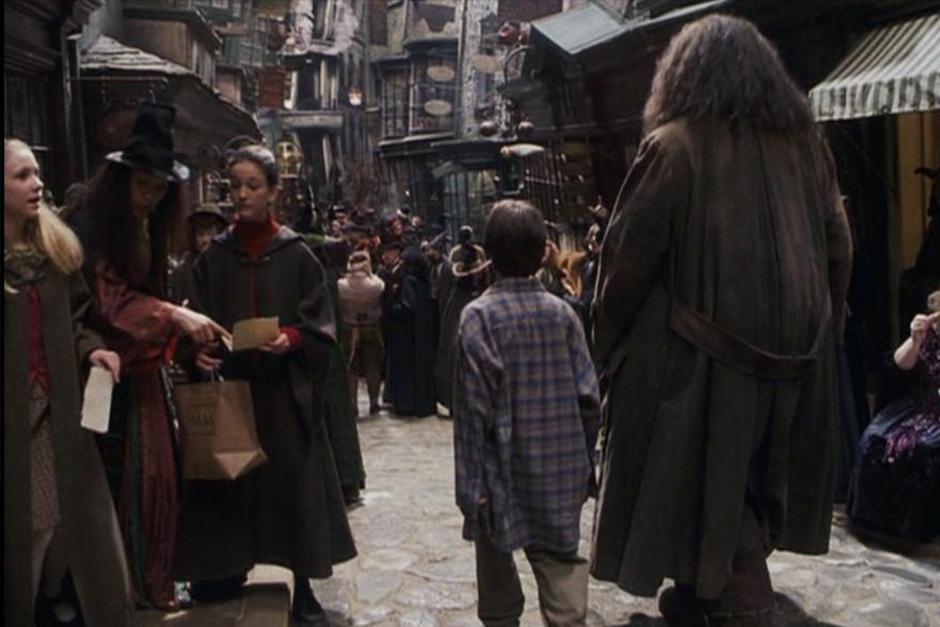 El callejón es donde Harry y Hagrid compran todo lo que necesita el pequeño mago para su primer día en Hogwarts. (Foto: Archivo)