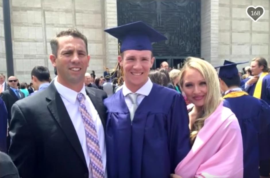 La familia de Calvin Riley. Captura de pantalla. (CBS SF Bay Area/YouTube)