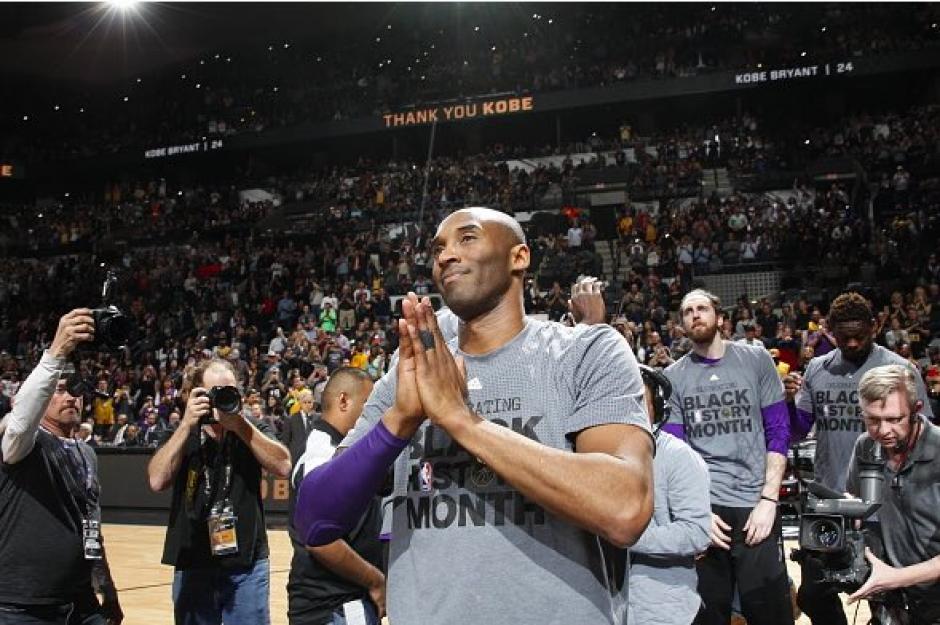 """Kobe Bryant, conocido como """"Black Mamba"""" se retira de la NBA con 37 años. (Foto: AFP)"""