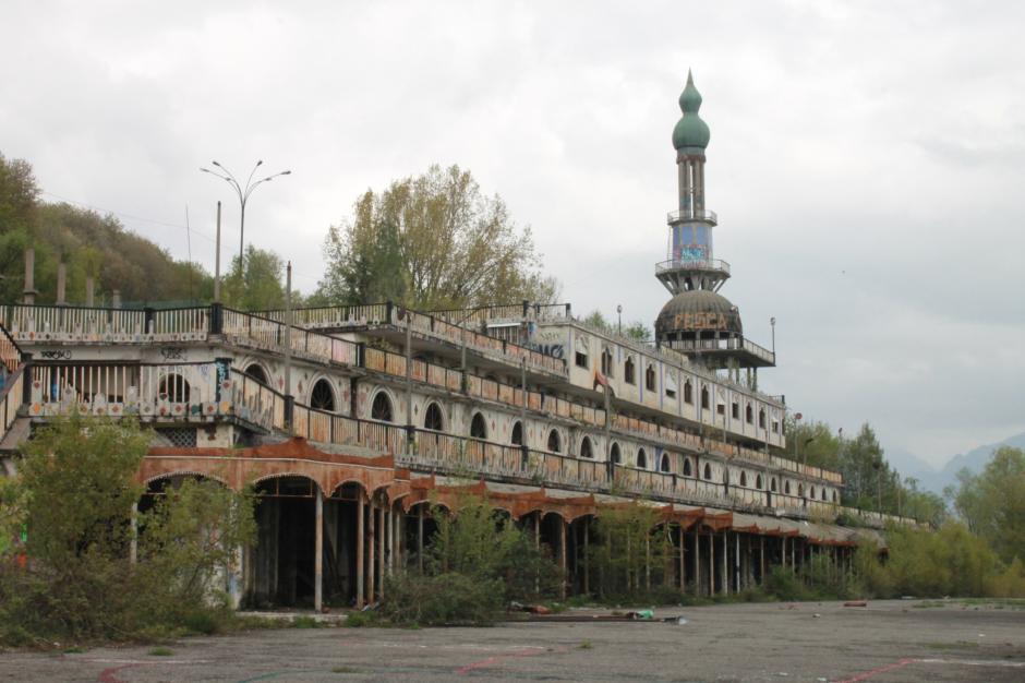 La competencia se desarrolla en una ciudad abandonada de Itala. (Foto: El Mundo)