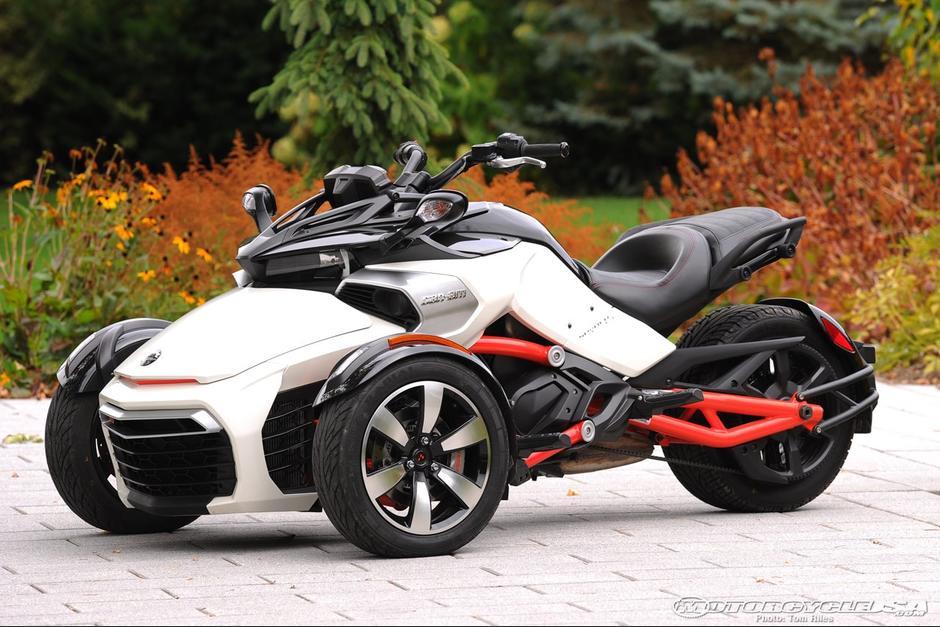 Las tres motos Can-am de Otto Pérez Molina costaron entre 139 mil 125 y 284 mil 400 quetzales. (Foto: motorcycle-usa.com)