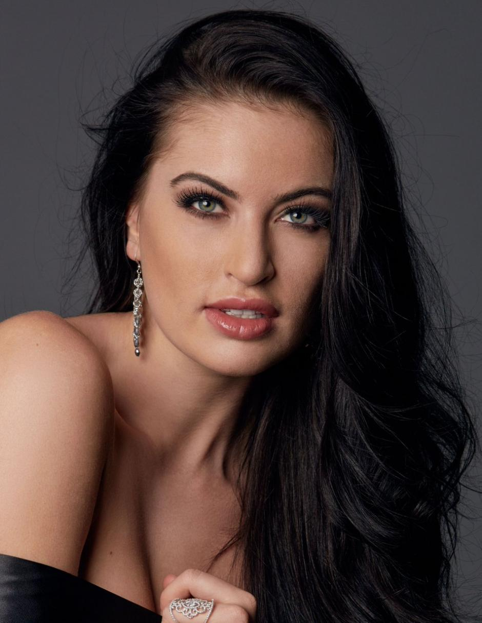 Pese a las críticas por su peso, la representante de Canadá, Siera Bearchell, llegó a las 9 finalistas. (Foto: Twitter/Miss Universe)