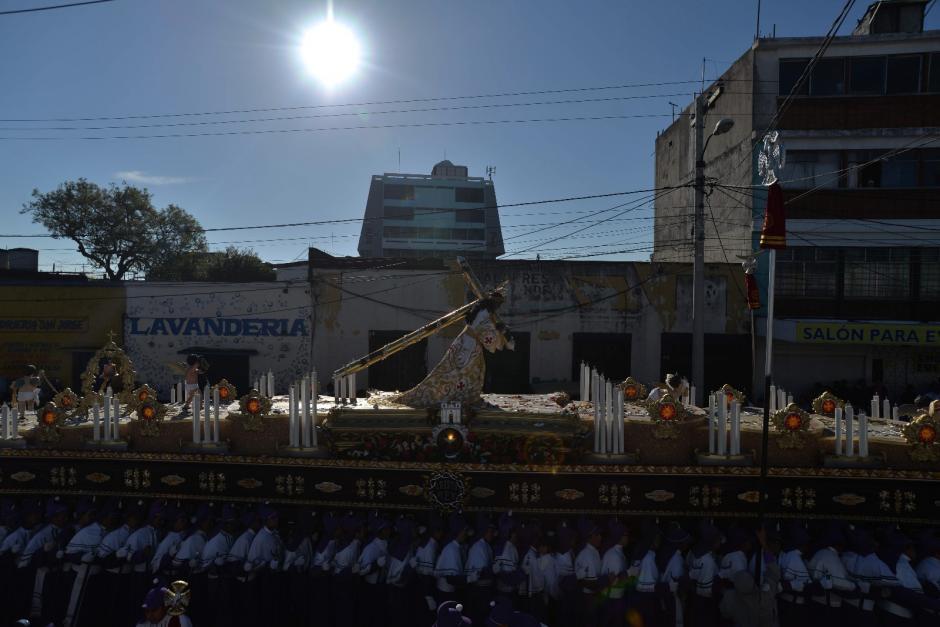 La procesión de Cristo Rey salió a las 7:00 horas de este domingo. (Foto: Wilder López/Soy502)