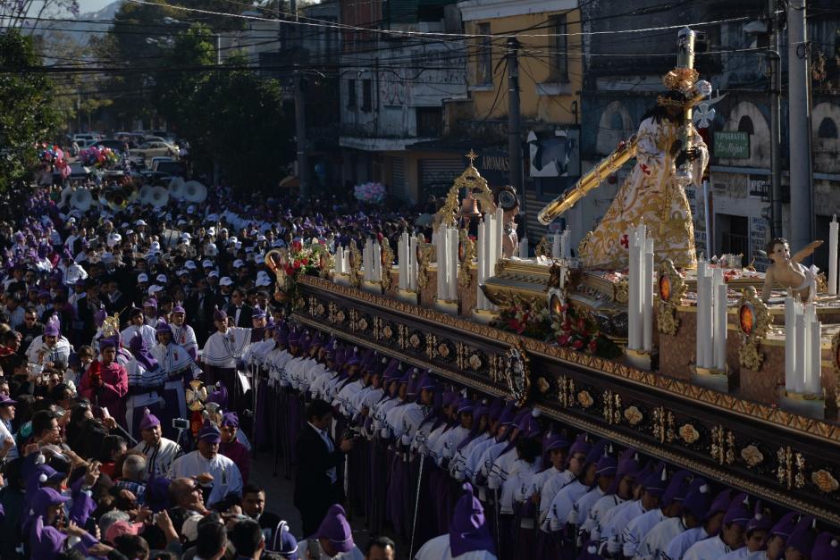 La procesión conmemora 100 años de Consagración de Jesús Nazareno de Candelaria. (Foto: Wilder López/Soy502)