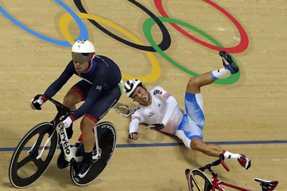 Mark Cavendish ganó la medalla de oro luego de una maniobra polémica. (Foto: teleamazonas.com)