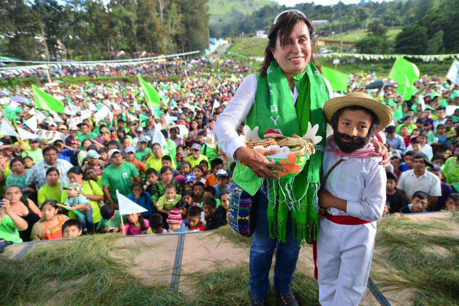 Impulsora de programas sociales que le han hecho ganar el apoyo de la población del interior de Guatemala. (Foto: Wilder López/Soy502)