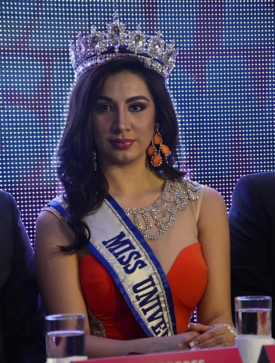 Jeimmy Aburto, Miss Guatemala 2015, dio unas palabras. (Foto: Selene Mejía/Soy502)