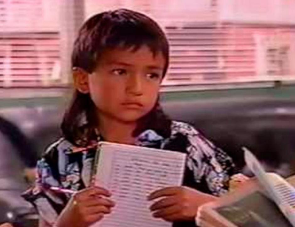 """El pequeño Carlos Kajú, hijo de """"Pedro el Escamoso"""", ya tiene 23 años y sigue en triunfando en la actuación y telenovelas de Colombia."""