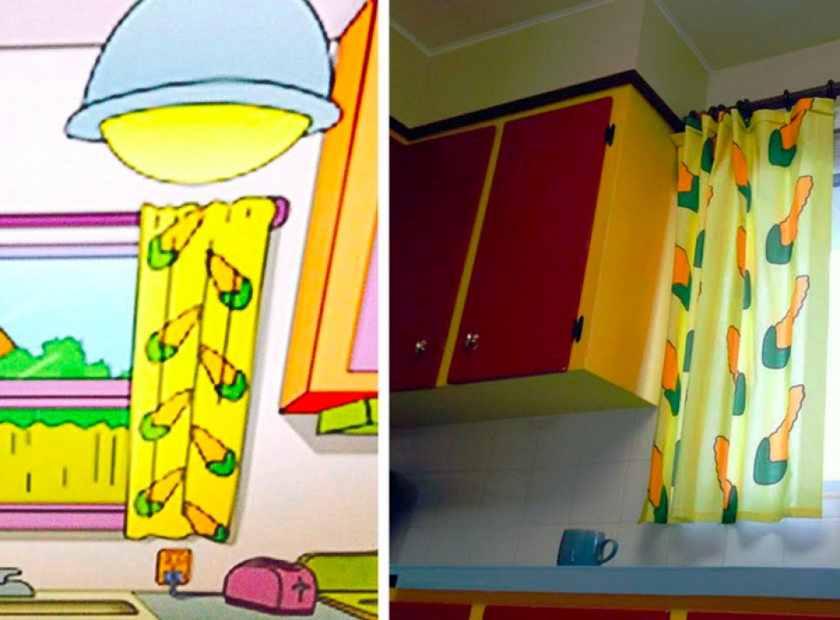 Las cortinas de la cocina son idénticas a las de Marge Simpson.(Imagen: YouTube)