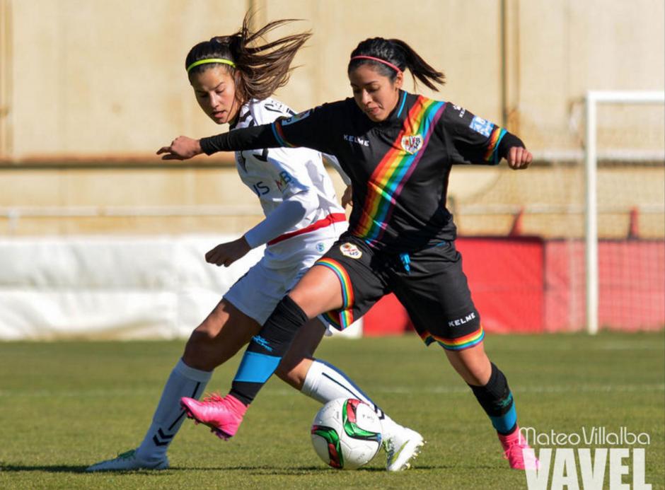 Por temas de papelería, Ana Lucía se incorporó tarde al campeonato español, pero ha sido titular en los últimos tres partidos del Rayo Vallecano, en los que ya estuvo a disposición.