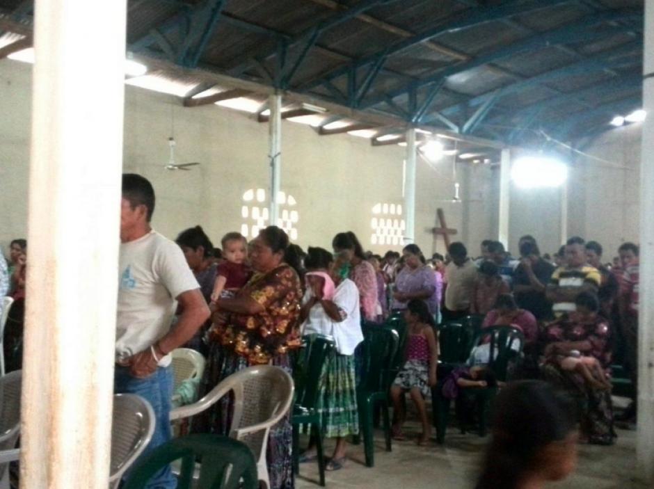 Además realizaron oraciones para las víctimas y sobrevivientes. (Foto: MTM)