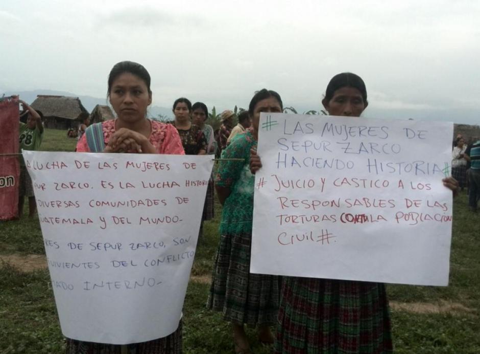 Los participantes llevaron carteles donde destacaban que se había hecho historia. (Foto: MTM)