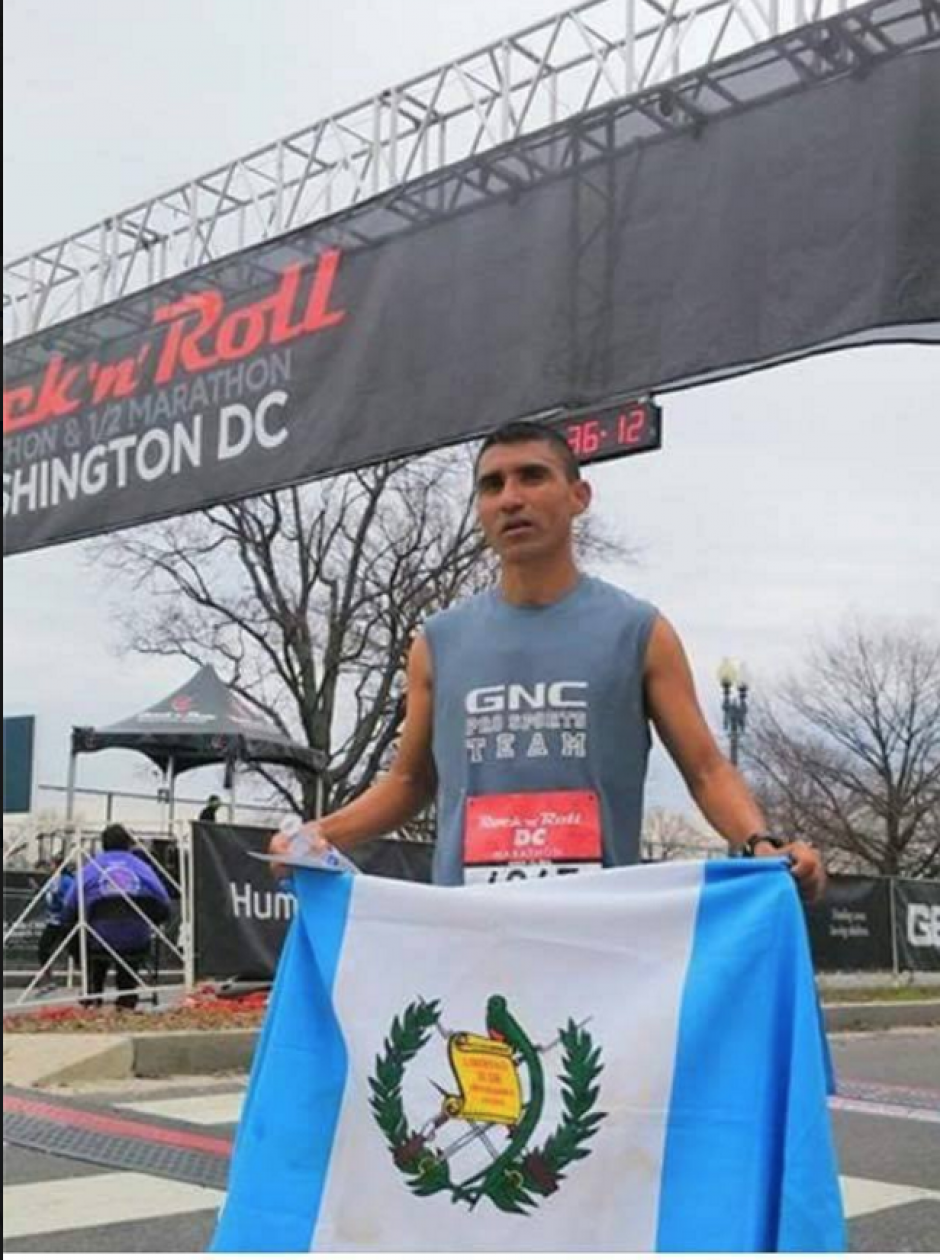 El fondista guatemalteco Alfredo Arévalo destacó este sábado en Washington, Estados Unidos. (Foto: Alejandro Donis)