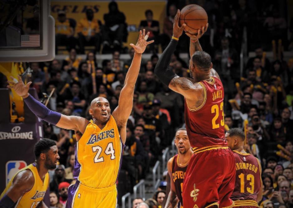 Recuerdo para la historia de la NBA. Último duelo entre Kobe Bryant y LeBron James. (Foto: Instagram NBA)