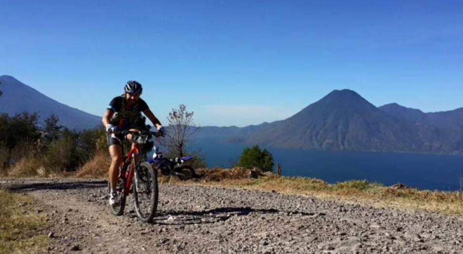 Al término de los 360 kilómetros en bicicleta iba en la segunda posición.  (Foto: Facebook)