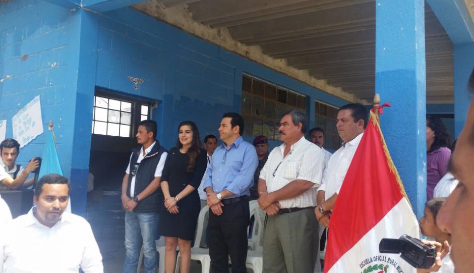La diputada de Jutiapa, Sandra Patricia Sandoval, acompañó al presidente. (Foto: Gobierno)