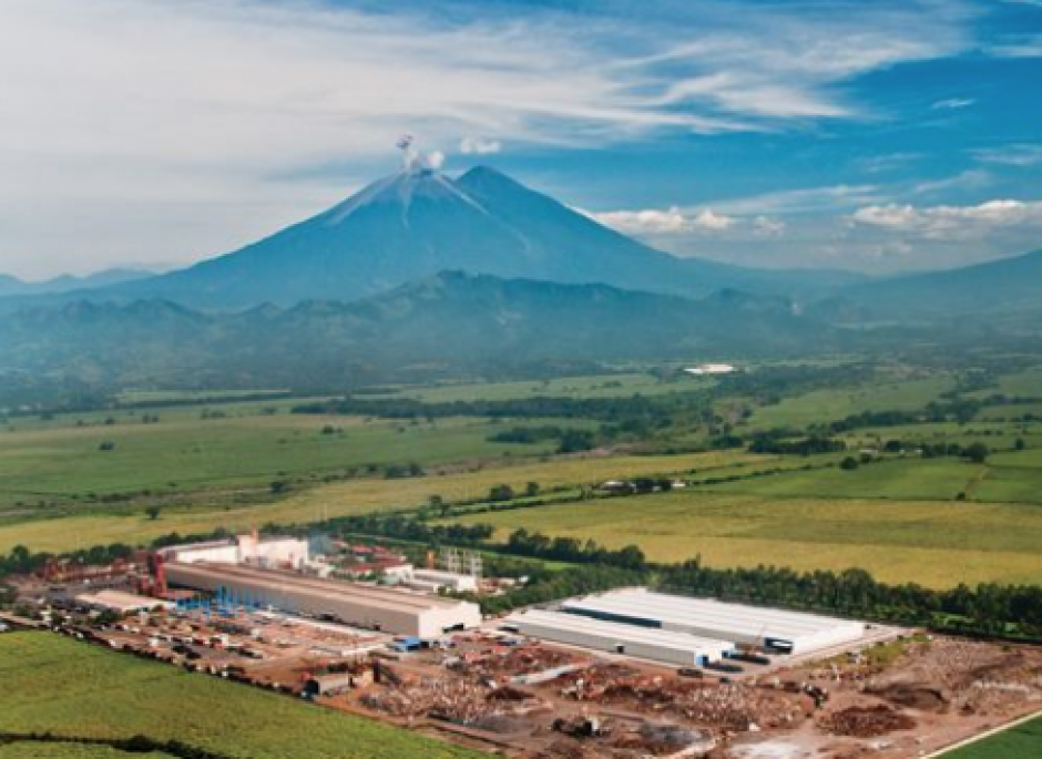 Sidegua se convirtió en la planta más grande de Centroamérica, ubicada en Masagua. (Foto: Facebook)