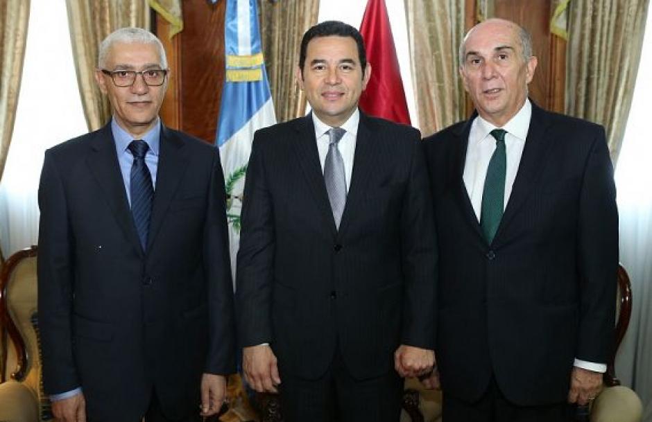 El presidente del Congreso Mario Taracena les acompañó en la reunión. (Foto: AGN)