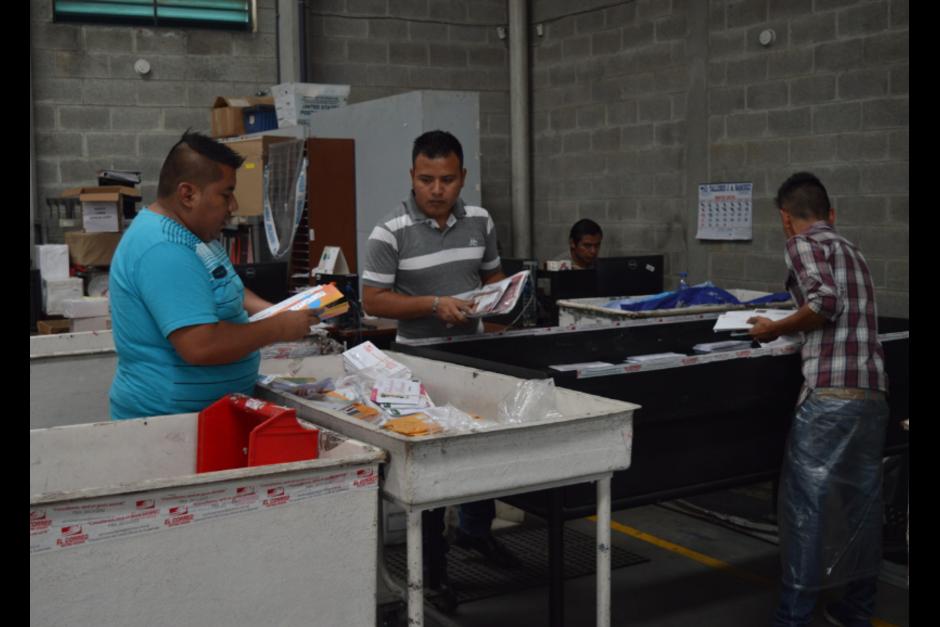 El ministerio anunció que el martes se retomará el servicio en dos agencias. (Foto: Alejandro Balán/Soy502)