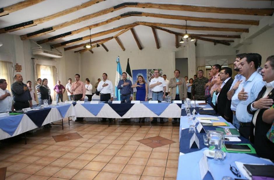 """Durante su discurso, el Presidente revivió la polémica de """"poner de rodillas"""" a los gobernadores. (Foto: AGN)"""