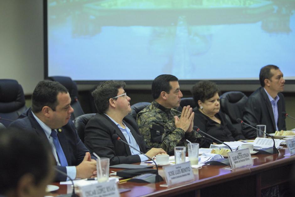 La sesión extraordinaria del gabinete fue convocada con el presidente de viaje en Cuba. (Foto: AGN)