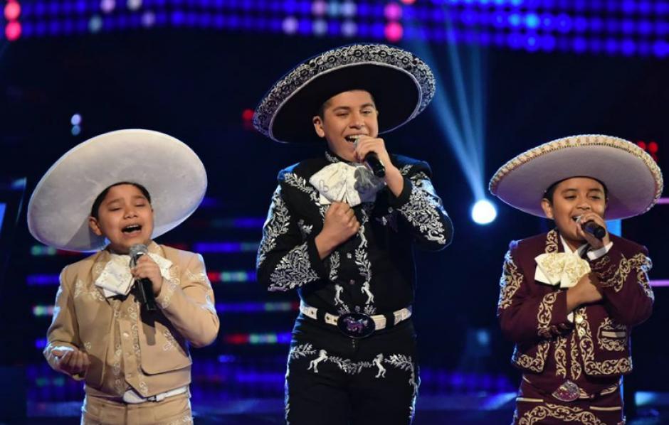"""Los tres rancheros del Team Yankee interpretaron """"Mi lindo San Juan"""". (Foto: Facebook)"""