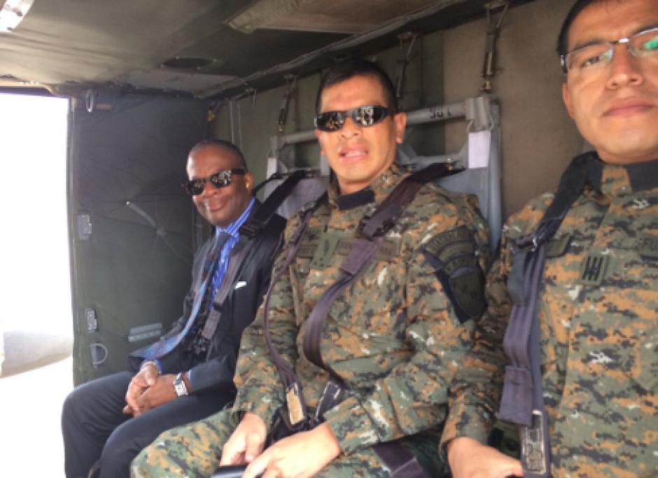 Desde la mañana, el embajador sobrevoló el país para llegar a occidente. Foto: US Embassy)