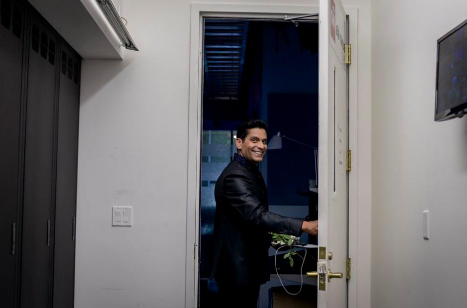 Ismael Cala se despidió de su programa de entrevistas en CNN en español. (Foto: Twitter)