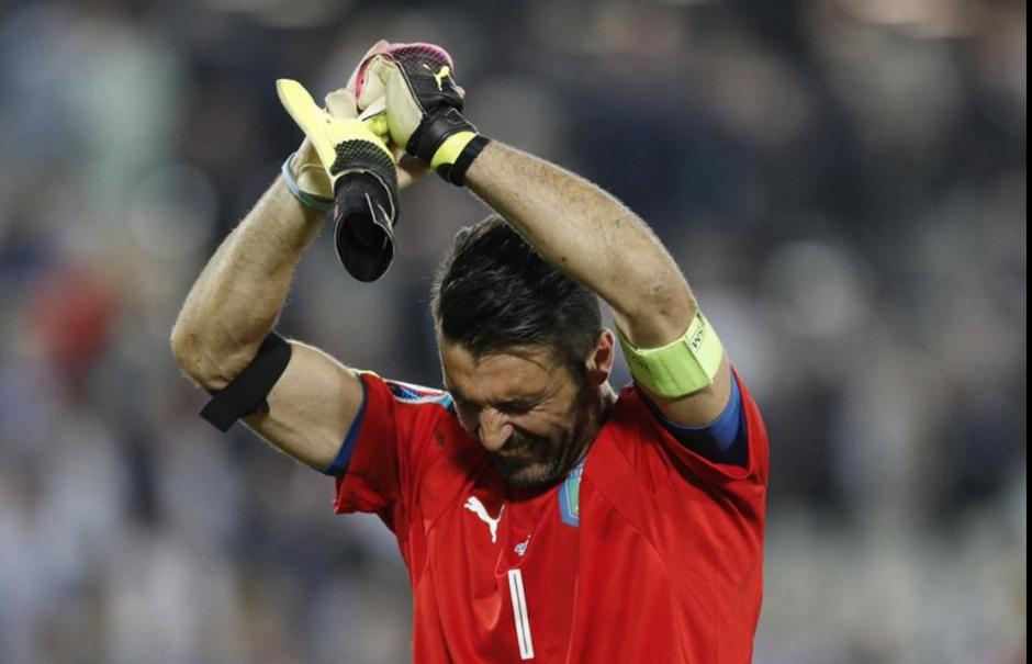 Buffon se despidió del público con lágrimas en los ojos. (Foto: Agencias)