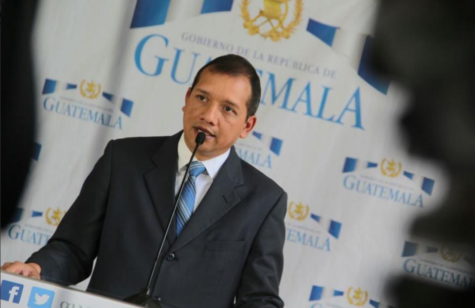 El ministro Rivas doblegó la seguridad de la fiscal que continuará en su regreso al país. (Foto: Gobernación)