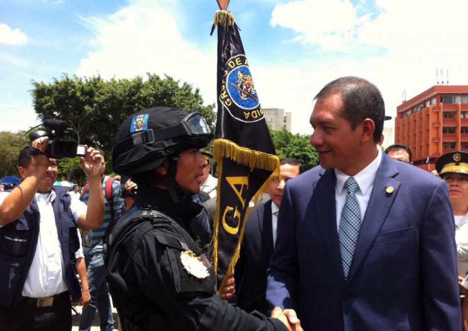 El ministro del Interior pasó revista a las unidades policiales. (Foto: Mingob)