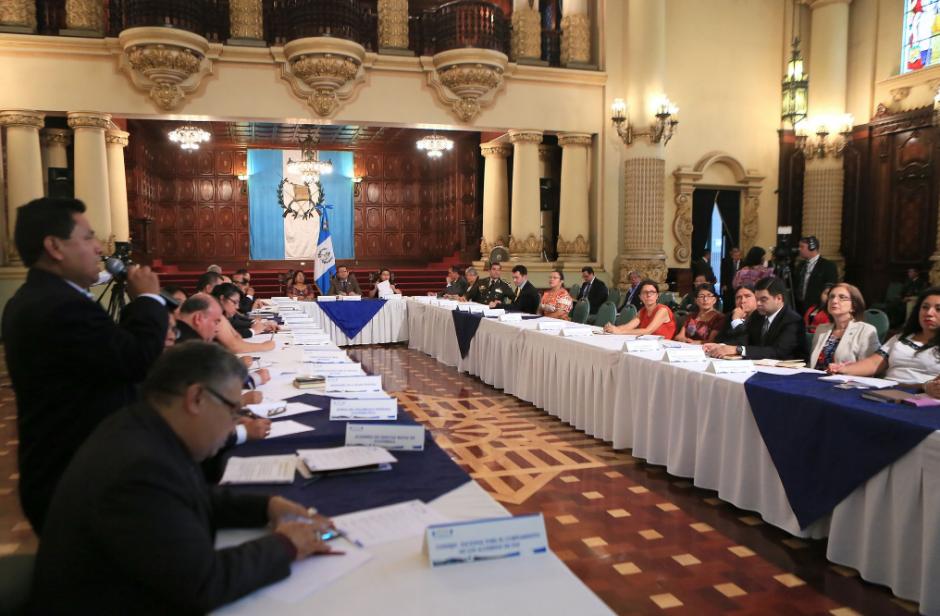 Morales habló a los medios después de una actividad en el Salón Banderas. (Foto: AGN)
