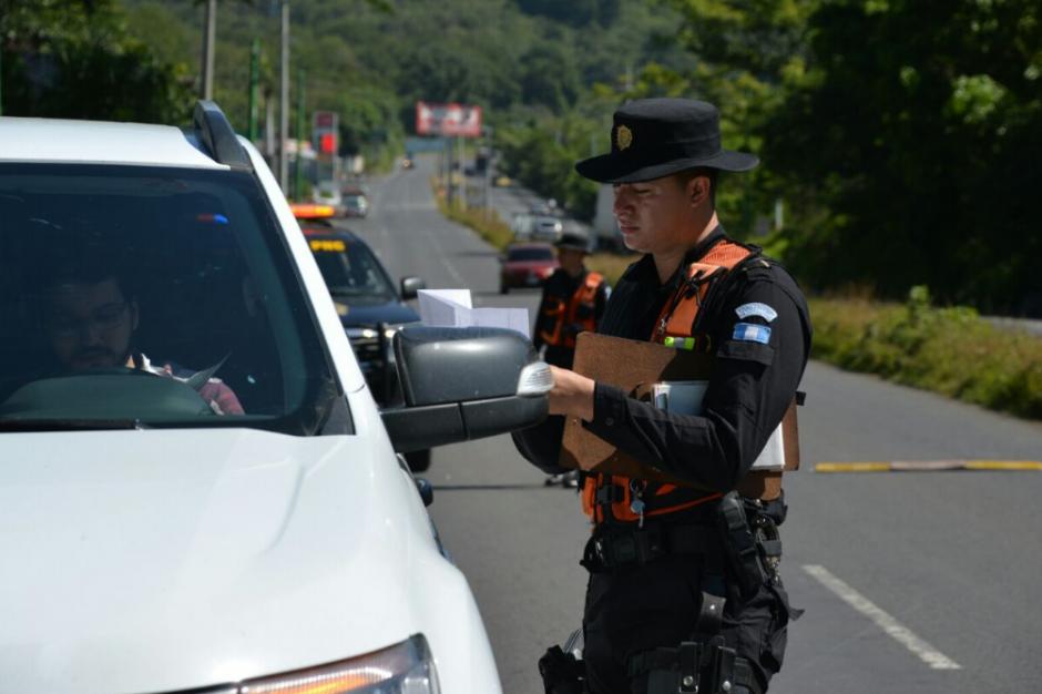 Los operativos comprueban que el tributo esté pagado. (Foto: PNC)